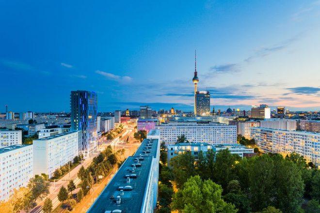 Blick über Berlin bei Sonnenuntergang