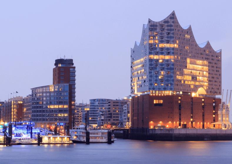 Blick auf die Elbphilharmonie in Hamburg