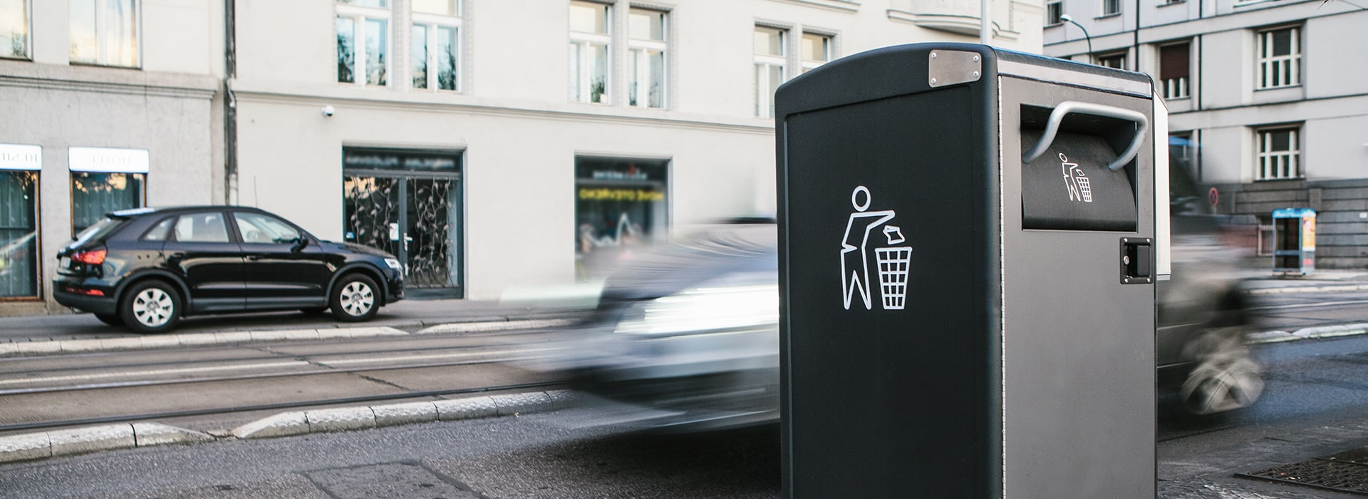 Mülleimer an der Straße